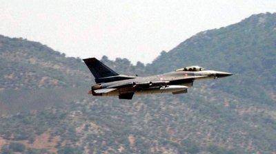 Источник рассказал о турецких истребителях, сбивших сирийские самолеты