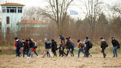 МИД Греции обвинил Турцию в дезинформации по беженцам