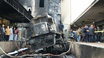 В Каире осудили машиниста поезда, врезавшегося в пристройку вокзала