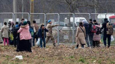 Греция обвинила Турцию в поджоге палаток в лагере мигрантов