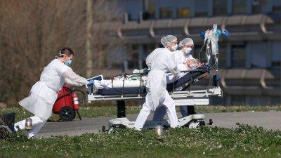 Во Франции число жертв коронавируса увеличилось до 1995 человек