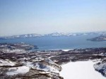 На Камчатке спасатели ищут провалившихся под лед