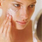 Как избежать аллергии и кожных реакций при переходе на новую косметику