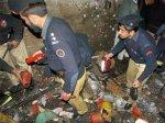 Рядом с пакистанской мечетью взорвали полицейских