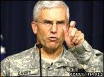 Сенаторы обвинили генерала в провале иракской политики