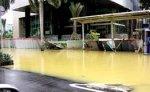 Растет число жертв сильнейшего наводнения в столице Индонезии