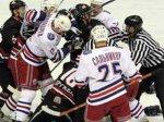 """Хоккеисты белорусской """"Юности"""" побили клюшками болельщиков"""
