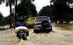 Наводнение в столице Индонезии за неделю унесло жизни 76 человек
