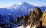 В Приэльбрусье продолжают искать пропавшую альпинистку