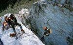 В Саянах со скалы сорвались семь человек