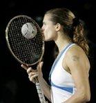 Амели Моресмо получила бриллиантовую ракетку стоимостью миллион евро