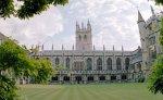 В колледже Оксфордского университета обнаружены зажигательные бомбы