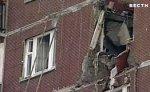 В Петербурге спасатели сняли с дома часть стрелы рухнувшего крана