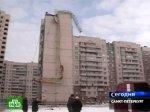 В Петербурге с жилого дома сняли рухнувший кран