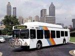 В Атланте пассажирский автобус упал с эстакады