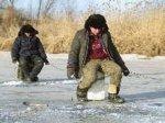 На Цимлянском водохранилище рыбак провалился под лед