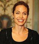 Анджелина Джоли занялась процессом усыновления