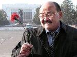 Государственные мужи Киргизии получили цветы к 8 марта