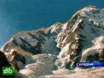 Спасатели приближаются к несчастным альпинистам