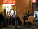 Куда ходят есть москвичи: согласно опросам, McDonald's теряет популярность