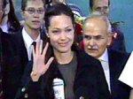Новому сыну Анджелины Джоли пока не дают американскую визу