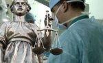 Врач, отказавший в госпитализации умирающему ребенку, осужден условно
