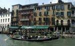 За десять лет Италия приняла около двух миллионов эмигрантов