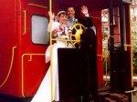 Влюбленным предлагают играть свадьбы на колесах
