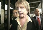 Определились присяжные по делу продюсера The Beatles и Шер