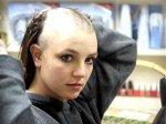 Бритни Спирс побрилась налысо из-за смерти тети, которая умерла от рака