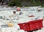 Остров Марлона Брандо тонет в потоке мусора