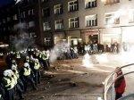 Эстонская полиция применила водомет против погромщиков