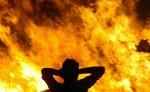 На месте обрушения дома в Паленсии не удается потушить сильный пожар