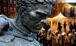 Центр Симона Визенталя резко осудил перенос Бронзового солдата