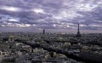 На парижской площади Согласия празднуют победу Саркози