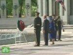 Елизавета II почтила память погибших солдат
