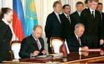 Казахстан будет транспортировать практически всю нефть через Россию