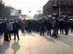 Грузинские оппозиционеры сожгли двухметровое чучело Саакашвили