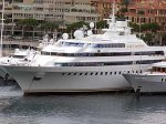 Посадил свою яхту на мель в Каннах саудовский миллионер