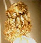 Укладка волос на бигуди.