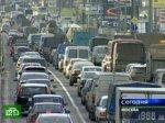 На Волоколамском шоссе парализовал движение упавший столб.