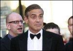 Джордж Клуни в Каннах выставил на аукцион свои поцелуи.