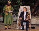 Тони Блэр коронован Верховным вождем Сьерра-Леоне
