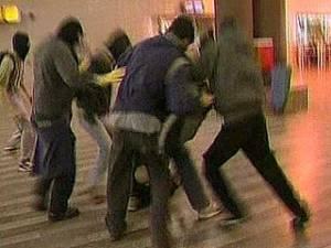 """В Европе подростки убивают, чтобы похвастаться """"видео"""" по мобильнику"""