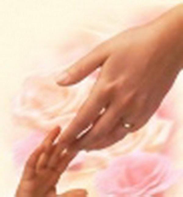 У нашей мамы самые нежные, трудолюбивые и заботливые руки, которые не знают...