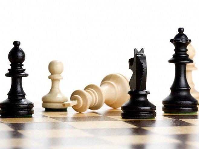 Соревнования по шахматам и шашкам среди спортсменов разных поколений прошли
