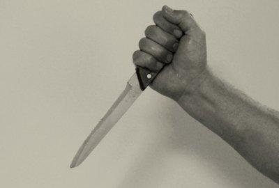 В Белокалитвинском районе отец ударил сына ножом в живот